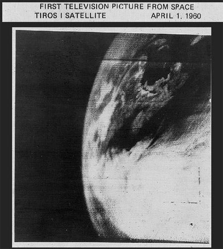 Primera imagen televisiva de la Tierra tomada por el satélite TIROS I