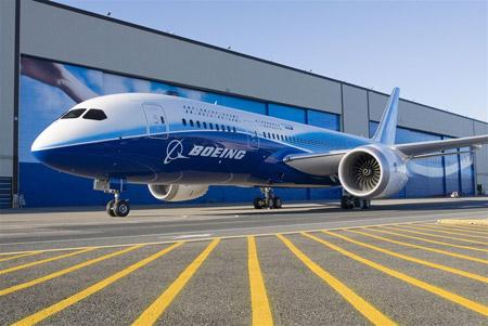 El primer 787 Dreamliner producido por Boeing