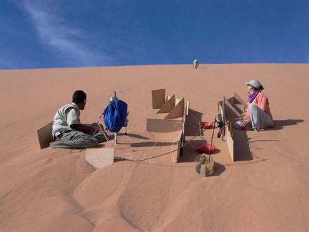 Grabando la música de las dunas