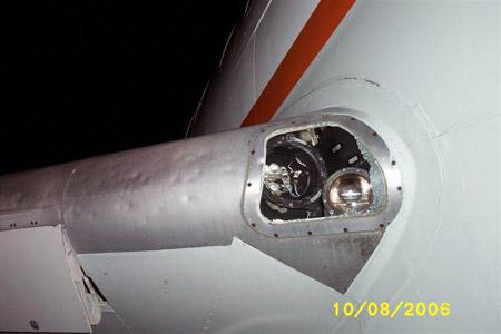 Boeing 727 con impactos de granizo