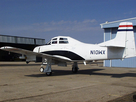 El T-28 listo para ser expuesto en el Museo Aeroespacial de Ashland, Nebraska