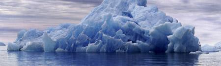 Desprendimiento de icebergs gigantes en la Antártida