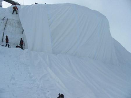 Recubriendo el glaciar de Andermatt con Ice Protector Optiforce