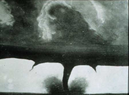 La primera fotografía de un tornado