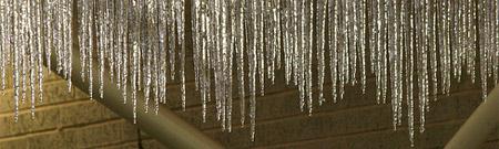Cuidado con la cabeza: hielo cayendo