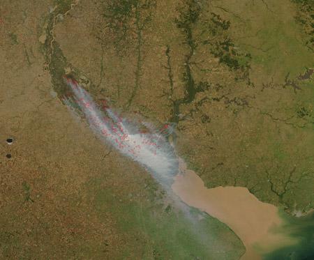 Humo sobre Buenos Aires - Imagen satelital de la NASA