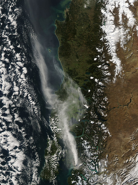 Imagen satelital: Erupción del volcán Chaitén