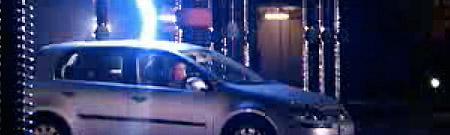 ¿Qué sucede si un automóvil es golpeado por un rayo?