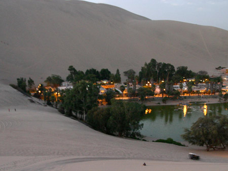 Oasis de Huacachina, Perú