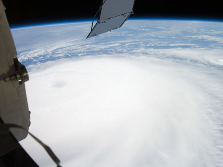 Huracanes desde el espacio