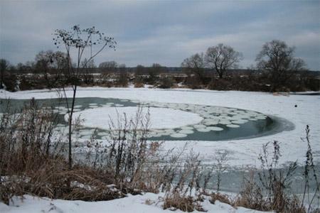 El extraño misterio de los círculos de hielo