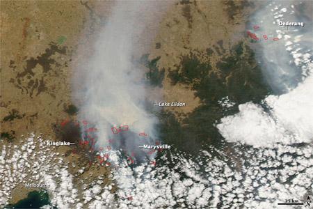 Focos de incendio en el sur de Australia - imagen satelital
