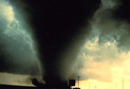 ¡Tornado!