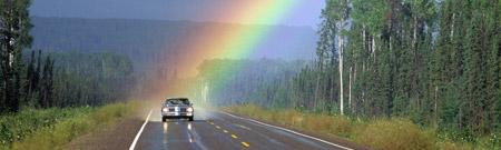 El auto y el arco iris