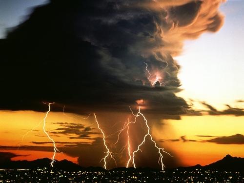 cumulonimbus-gigantic-stormcloud