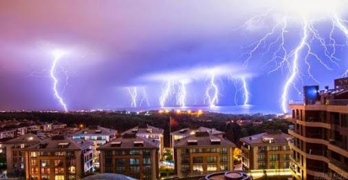 lluvia de rayos en Estambul