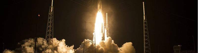 Atlas V despegando