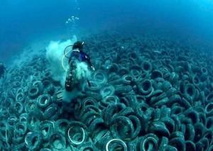Basura bajo el mar 2