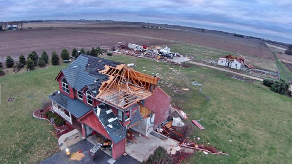 drone-tornado-illinois-3