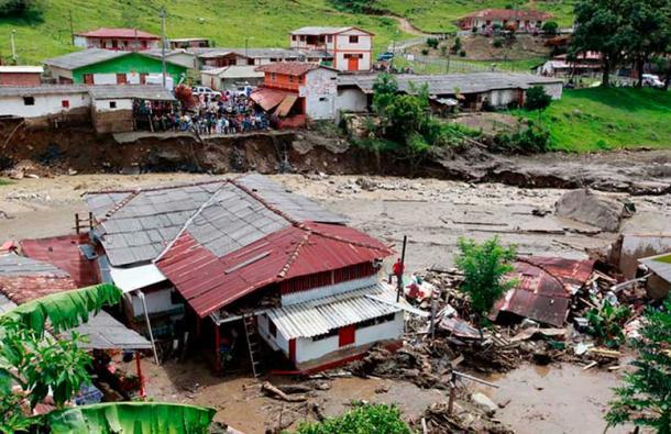 Avalancha de lodo deja 61 muertos en Colombia 1
