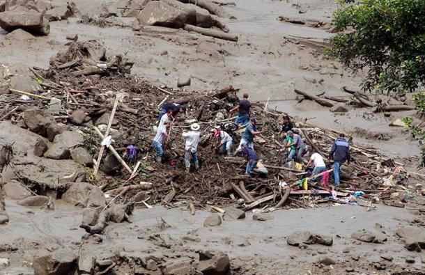 Avalancha de lodo deja 61 muertos en Colombia 2