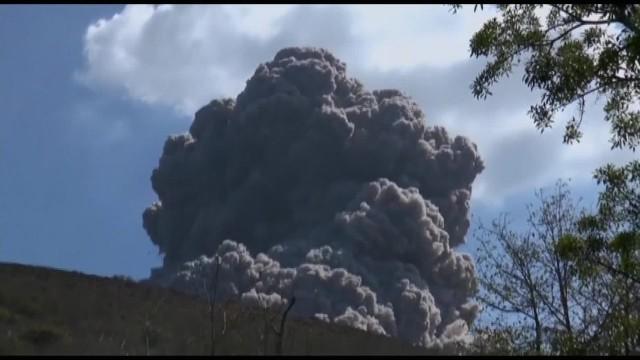 Momento justo de la erupcion