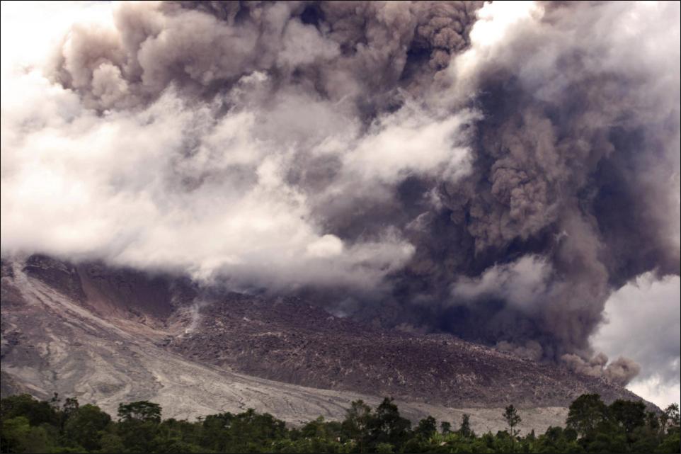 Monte Sinabung 3
