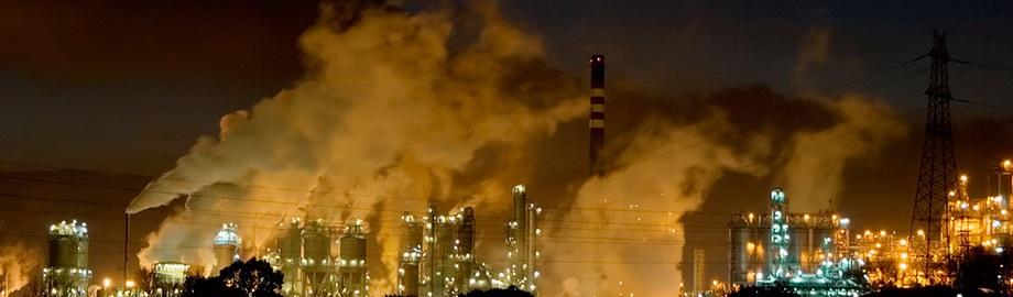 Una torre que absorbe aire contaminado