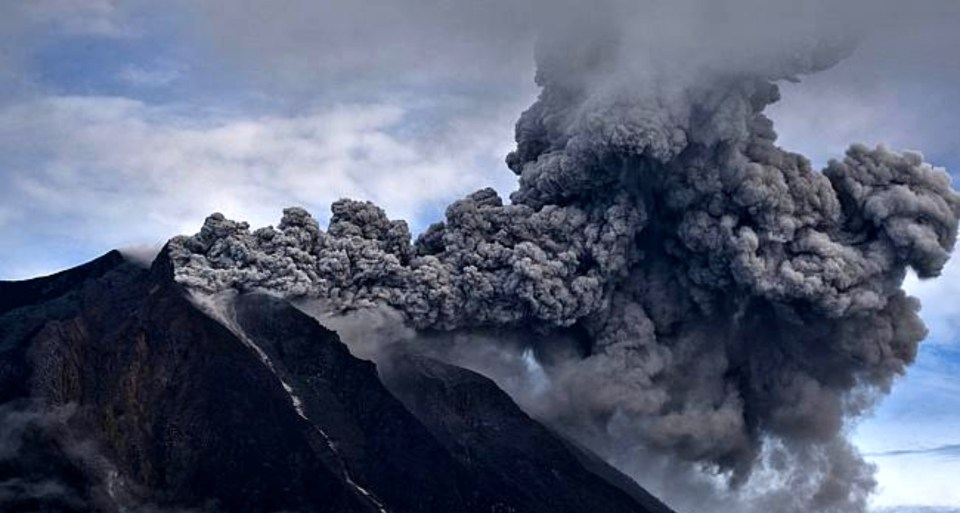 monte-sinabung-indonesia