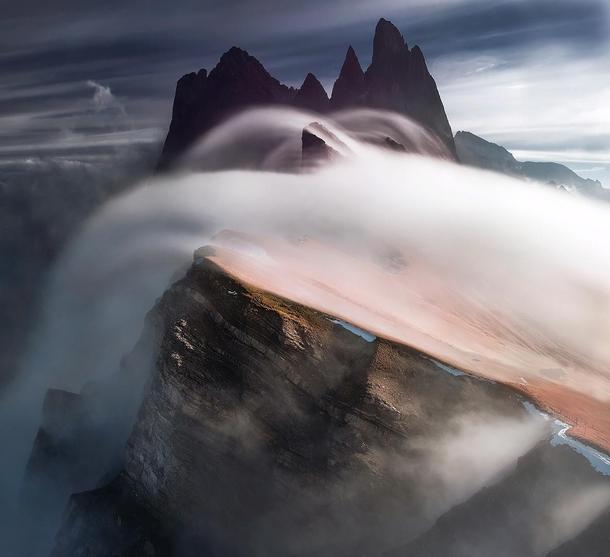 Nube bandera en Dolomitas