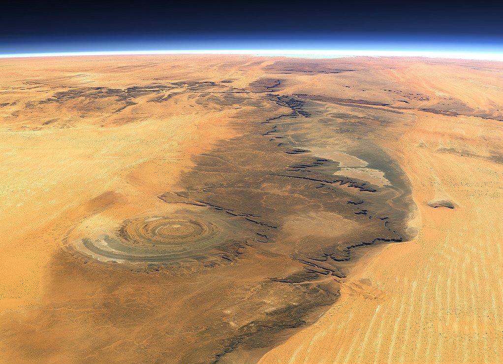 El ojo en el desierto