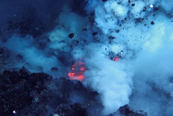 Volcan Submarino 3