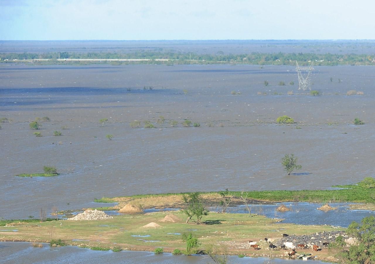 foto jose almeida vistas de las zonas mas afectadas por la credida del rio parana en las afueras de la ciudad de santa fe (alto verde yvuelta del paraguayo) 26-04-2016 - FTP CLARIN - DSC_3115.JPG - Z FTP Almeida - almeida