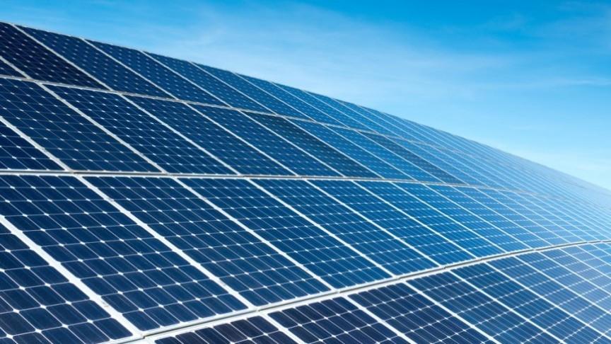 Panel solar con  pelicula de grafeno