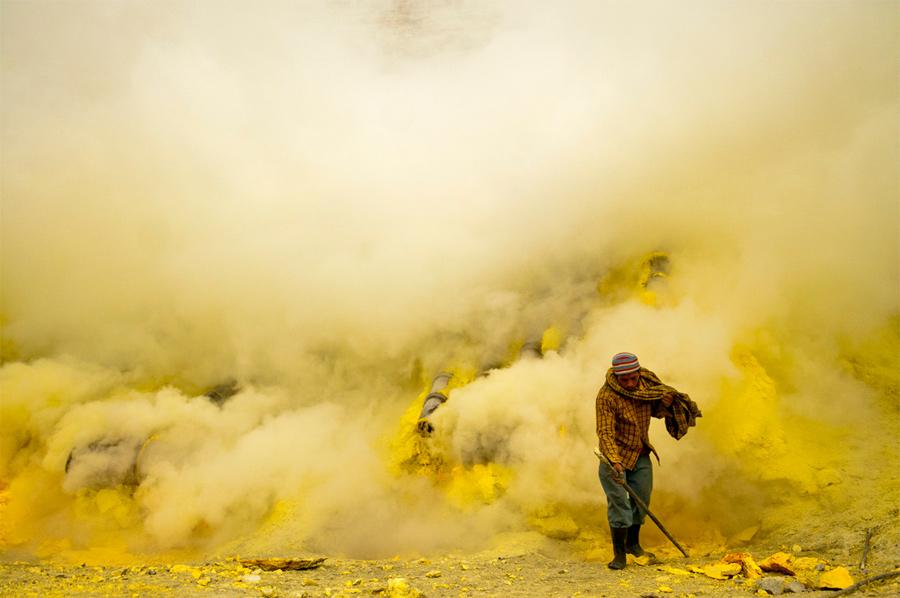 Azufre: Los trabajadores del infierno en la tierra