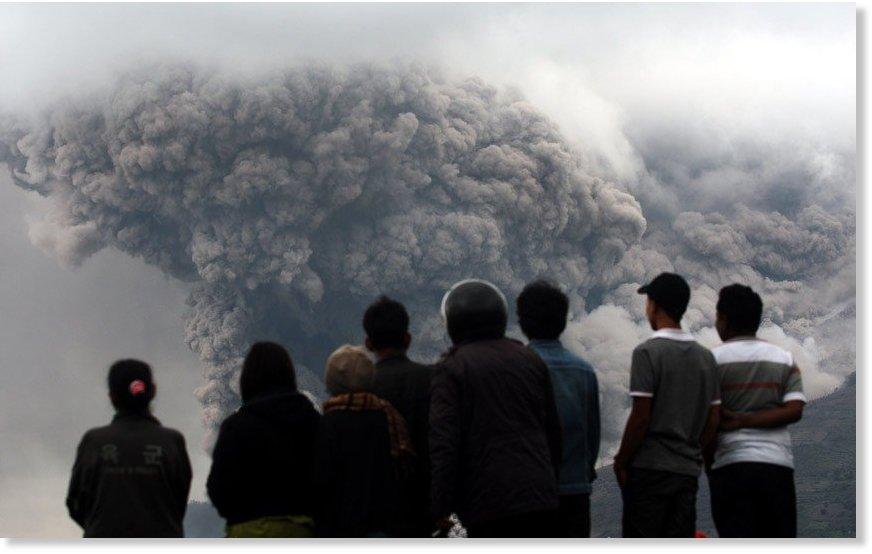 Sinabung volcan