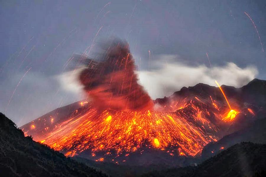 Erupcion Volcan Sakurajima 3