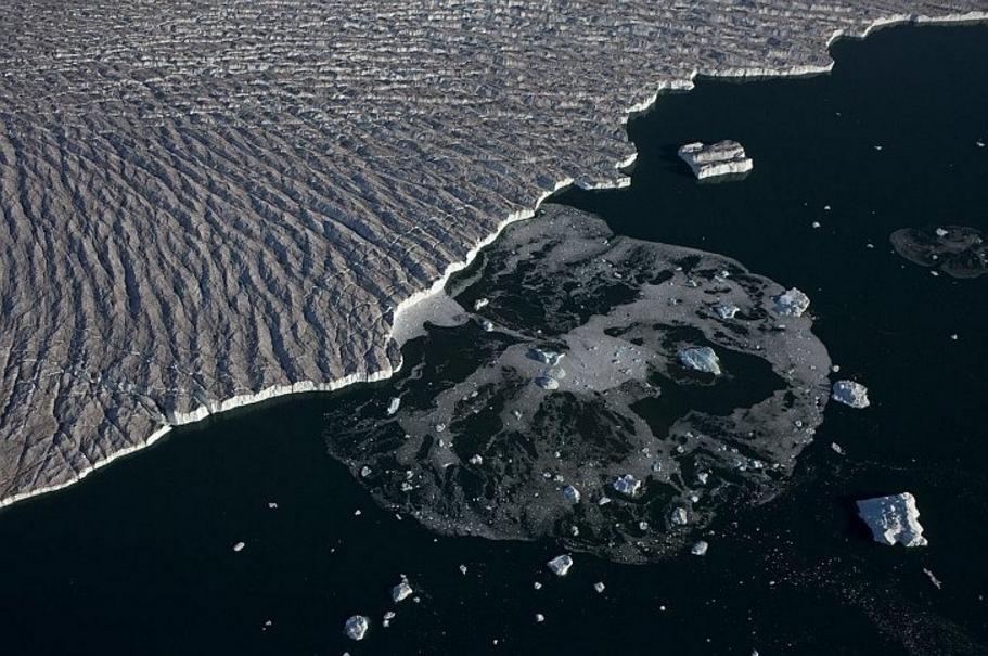 La-nieve-oscura-una-nueva-amenaza-para-los-glaciares 3