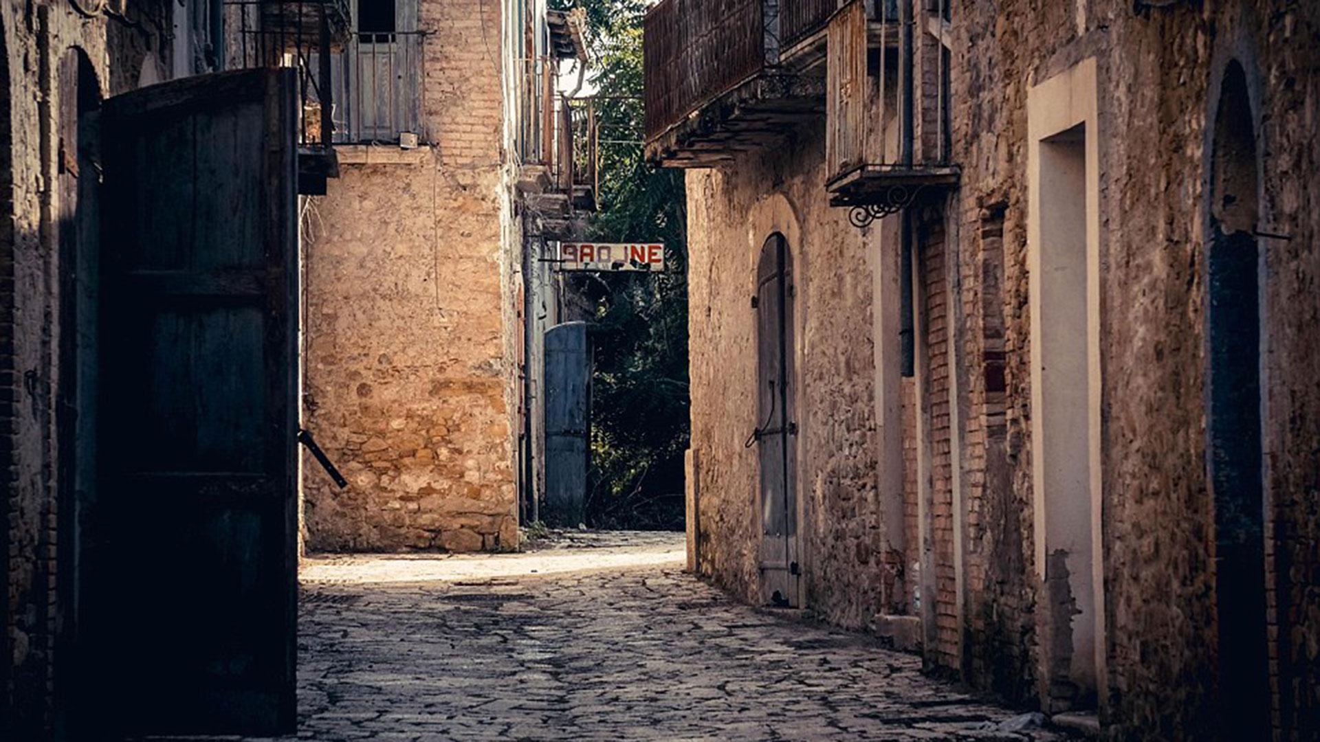 apice-la-ciudad-fantasma-de-italia-7
