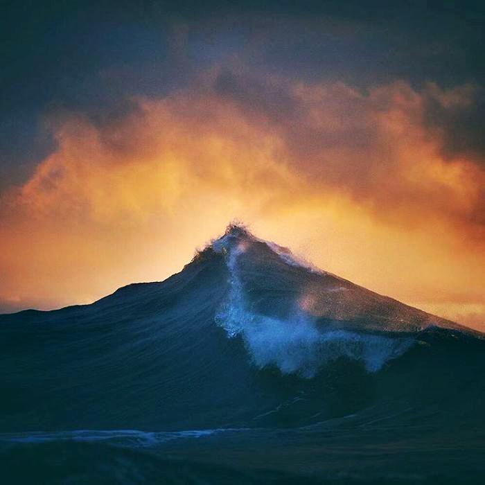 wave-photography-lloyd-meudell-1-5836b7e47ab05__700